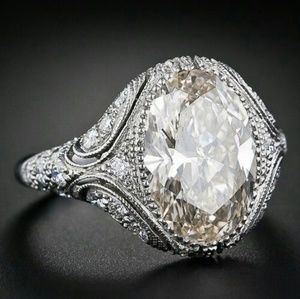 Jewelry - BEAUTIFUL CZ & SILVER VINTAGE STYLE RING